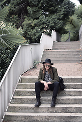 Stikleris - H&M Wool Hat, Thrifted Khaki Blazer, H&M Black Skinny Jeans - OFT-LK-14