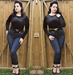 Caroline Swietkowski - H&M Black Velvet Crop Top, Banned Black 1950s Pin Up Leatherette Play It Right Bow Belt, H&M Highwaisted Blue Jeans, T.U.K. Footwear Black Knot Starlet Heels - Irresponsible Hate Anthem.