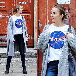 Ryfka (Szafa Sztywniary) - Cropp Nasa T Shirt, Tova Cardigan, Lee Jeans, Ecco Chelsea Boots - Houston, we have a problem