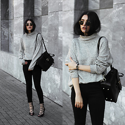 CLAUDIA Holynights - Na Kd Turtle Neck Sweater, Vipme Leather Backpack, Na Kd Lace Up Shoes, Locman Watch, Vipme Backpack - Beggining of Autumn