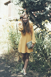 Anna Katina - Marc By Jacobs Clutch, Zara Dress, Other Stories Flat Shoes - Lemon Tree