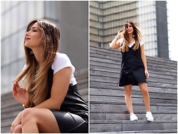 MELODY La Minute Fashion - Dress, Sneakers - Windy Here !
