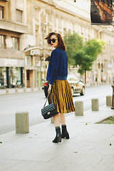 Andreea Birsan - Gold Metallic Skirt, Ankle Boots, Glitter Socks, Suede Jacket, Black Crossbody Bag, Cat Eye Sunglasses - Suede jacket & gold metallic midi skirt II