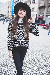 Valéria Przysbeczyski - Dresslink Sweater, Forever 21 Black Jeans, Borrowed From My Friend Hat - Love Like Winter