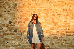 Tina Gallo - Desigual Denim Embroidery Jacket, Zara White Dress - #MyDesigual