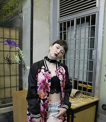 Dasha Dasha - Monki Bomber, Befree Black Bra, Pull & Bear Short, Tiffany & Co. 90's R&B Earrings - White Chocolite