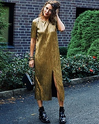 Isabella Pozzi - Zara Gold Dress, Balenciaga Cut Out Boots - Gold pleated dress