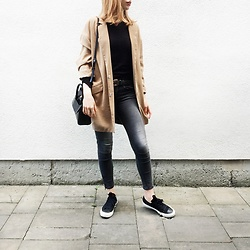 Reingeschlüpft - Mango Blazer, Zara Shirt, Hieleven Bag, H&M Jeans, Converse Sneakers - Time flies, now it's autumn