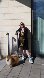 Dasha Dasha - Vagabond Booooots, Monki Ghchel, Monki Jeanse, Vivienne Westwood Skirt, Jeremy Scott T Shotr, H&M Gold, Monki Sun - 1 photo 2 dogs