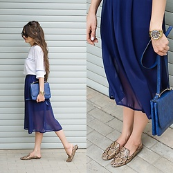 Diyora Beta - Asos Navy Bag, Zara Loafers - Midi skirt