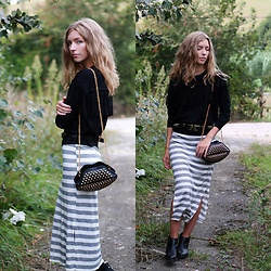 Alba Granda - Dresslily Black Jumper Fringes, Bershka Long Dress, Bershka Cowboy Belt, Stradivarius Leather Boots - Stripes & Fringes