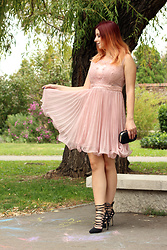 Milica Venoma - Vipme Dress, Jollychic Heels - Pretty in Pink