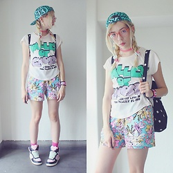 Candy Thorne - 390 Mart Slogan Tee, Adidas Floral Shorts, Swimmer High Tops, Monki Mint Leopard Cap, Monki Spotty Backpack - Valley of Ghost