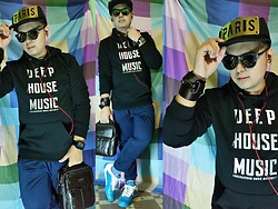 Lee Uno Ong - Splash Cap, Ray Ban Sunglasses, Iconic Black Cotton Sweatshirt, Diesel Watch, Mcjim Brown Leather Bag, Iconic Jogger Pants, Li Ning Sky Blue Sport Sneakers - DEEP HOUSE MUSIC