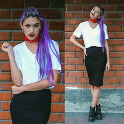 Andrea Chavez - Extensiones Veroka Hair Extensions, H&M White Tee, H&M Basic Skirt, Squeeze Black Boots - Red n White