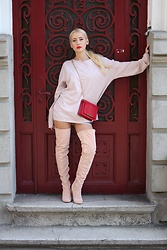Sinziana Maria Iacob - Joyas.Ro Boots, Wild Inga Bag, Cos Sweater - All Nude