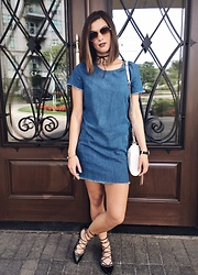 Aleksa Goldfield Rodrigues - Jeffrey Campbell Shoes Black Laced Up Flats, Bolo Tie Choker, Zara Denim T Shirt Dress, Rebecca Minkoff White Cross Body Purse - Damsel in Denim