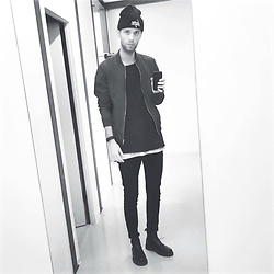 Mike Gajer - Dr. Martens Boots, Acne Studios Jeans, Asos Tank Top, Pull & Bear Tee, Asos Jacket, Hype Hat - Mirror, mirror...