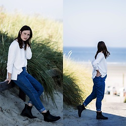Laura - Viking Rubber Boots, Zara Jeans, Zara Sweater - Rubber Boots
