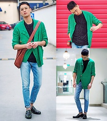 Chris Su - Mercibeaucoup Cardigan, Bottega Veneta Bag, Zara T Shirt, Jimmy Choo Shoes, Pull & Bear Jeans - It's Getting Cold