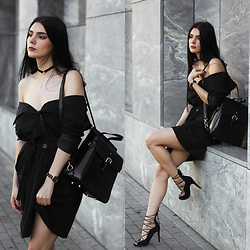 CLAUDIA Holynights - Na Kd Choker, Chic Wish Trnch Coat, Vipme Backpack, Na Kd Shoes, Vipme Bag - Trench coat as a dress