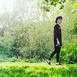 Chris Stringer - Nike Air Max Safari Trainers, Asos Hat, Asos Distressed Jumper - Wilderness