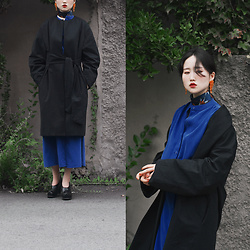 Autumn Kim - Royal Blue Long Dress, Balloon Coat, Flat Apartment Korean Traditional Motive Shoes, Vintage Orange Beads Earrings - Autumn blue