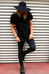 Richy Koll - Dr.Martens Oxfords, Edwin Jeans, H&M T Shirt, Zara Hat - All Black
