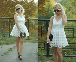 Vlada Kozachyshche - Dealsale Dress, Topshop Clutch, New Look Heels, New Look Sunglasses - Monroe