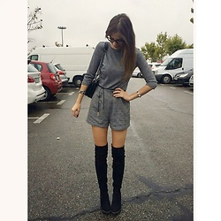 Andrea Ávila - Bershka Grey Romper, Bershka Belt (Choker), Marypaz Over The Knee Boots, Parfois Bag - Grey Days