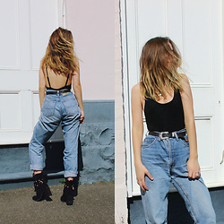 Isabella Wight - Vintage Jeans, See By Chloe Boots, Rusty Top - IVY