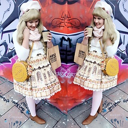 Shannen VM - Angelic Pretty Sweet Cream House Jsk - Winter biscuits