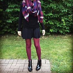 The Deep Style - Pimkie Blanket Scarf, Mango Black Turtle Neck Pullover, Bershka Skater Skirt, Zara Boots - Colorful Tights