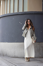 Bárbara Marques - H&M Sunglasses, Suiteblanco Jacket, Zara Dress, Lefties Sneakers, Parfois Clutch - New look