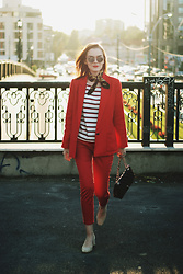 Andreea Birsan - Mirrored Sunglasses, French Knotted Scarf, Striped Top, Red Blazer, Red Trousers, Beige Suede Pumps, Quilted Crossbody Bag - Red pants & blazer: How to obtain the Parisian chic look II