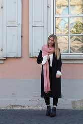 Another Lovely -  - Must Have: the black coat