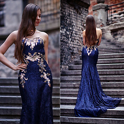 Ariadna M. - Blue Dress - Chic