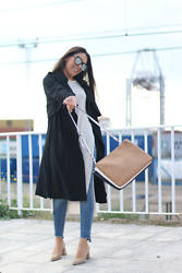 Natalia M - Monglam Sunnies, Zara Tricolor Bag, Pull&Bear Jeans, Krack Granny Shoes - GRANNY SHOES