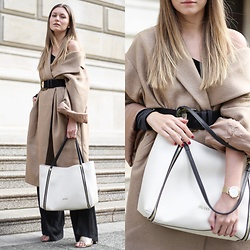 Livia Auer - H&M Oversized Camel Coat, Guess Angie Bag, Mango Large Belt - Guess Angie Bag