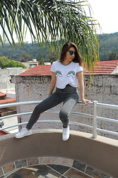 Karen Cardiel - Pull & Bear Rainbow Patches Crop Top, Pull & Bear High Waisted Jeans, Nike Air Force 1, Green Sunglasses - There´s no rainbow without rain <3