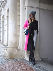 Jane Bond - Topshop Coat, Gucci Belt, Gucci Handbag, Reebok Sneakers, Ray Ban Sunglasses - Cold days