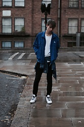 Paweł Zmitrowicz - Vintage Jacket, Armani Exchange T Shirt, Pull & Bear Shirt, Diesel Jeans, Converse Shoes - It's raining men