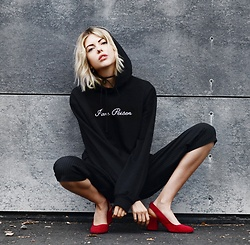 Ebba Zingmark - Na Kd Top, Na Kd Pants, Na Kd Shoes, Na Kd Choker - BLACK and RED