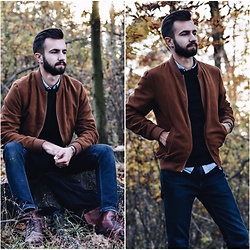 Baris Sabic - Springfield Jacket, New Yorker Sweatshirt, New Yorker Shirt, Pull & Bear Pants, New Yorker Backpack - Autumn colors