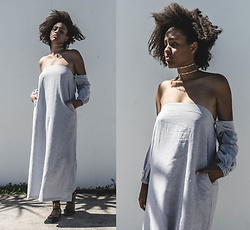 Aicha R. - Out With Audrey Leo Maxi Dress, The Dark Horse White Label Double Line Choker - Classic Girl