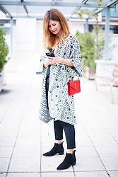A TRENDY LIFE - Suiteblanco Kimono, Suiteblanco Top, Suiteblanco Jeans, Saint Laurent Bolso, Pimkie Botines - Kimono & red Bag