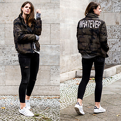 Jacky - Pimkie Jeans, Adidas Sneakers, Zara Bomber Jacket - Whatever Camouflage Bomber