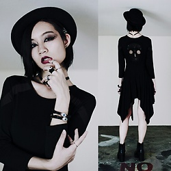 Ren Rong - Dresslily Skull Dress, Dresslily Skeleton Hand Hairclip, Dresslily Eye Choker, Dresslily Eye Bracelets, Rubi Heeled Boots - Teenage Nightmare