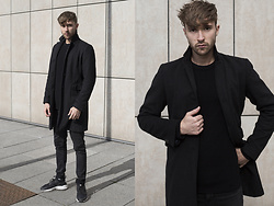 Ovidijus Maslovas -  - Ultimate coats for cold, rainy and windy Autumn seasons