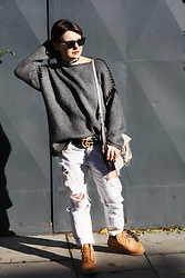 Kinga Garlińska - Gucci Belt, Chloé Bag, Timberland Boots, Zara Sweater, Ray Ban Sunglasses - Autumn look.